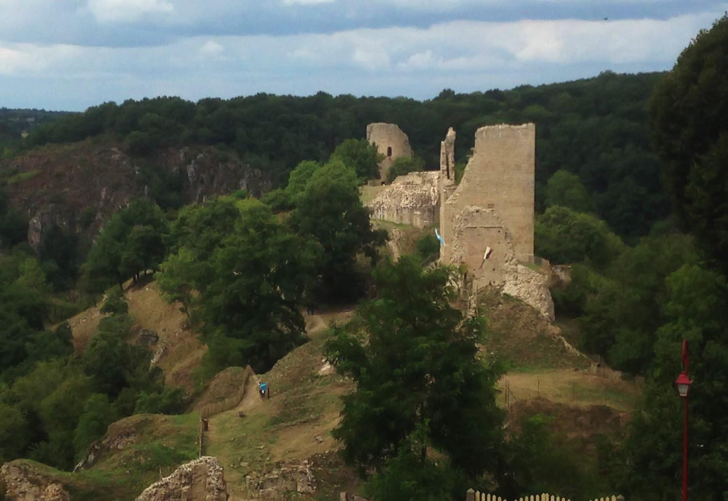 Gîte de 12 personnes en Creuse - Ruines de Crozant