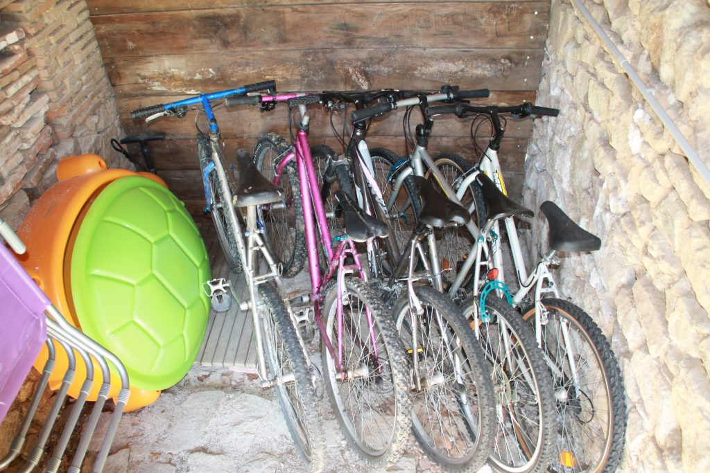 Cottage 12 people in Creuse - bicycles